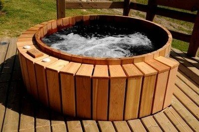 Cedar Wood Hot Tub -Electric Jacuzzi Style - seats 6