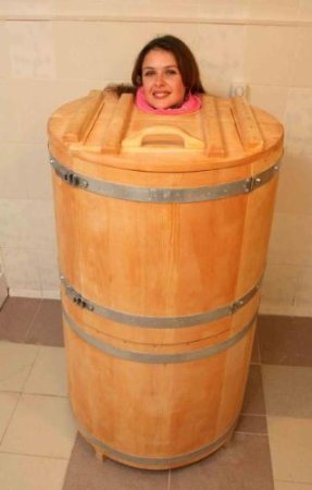 mini sauna cedar barrel of siberian cedar for apartmens. Black Bedroom Furniture Sets. Home Design Ideas